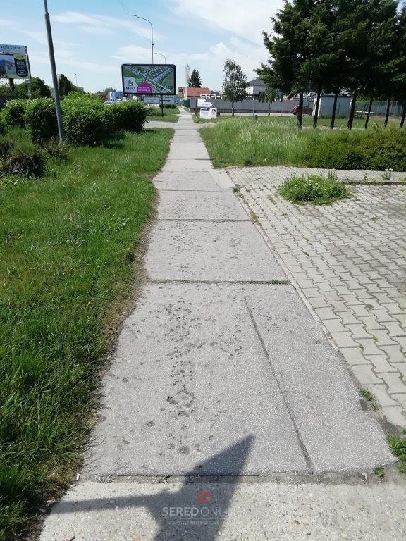 Chodník na Trnavskej ulici pre opravou