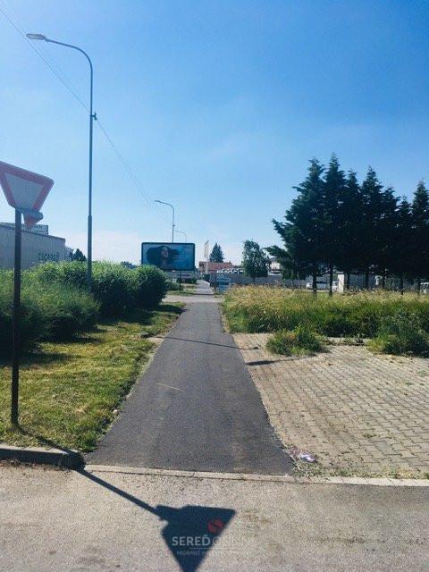 Chodník na Trnavskej ulici po oprave