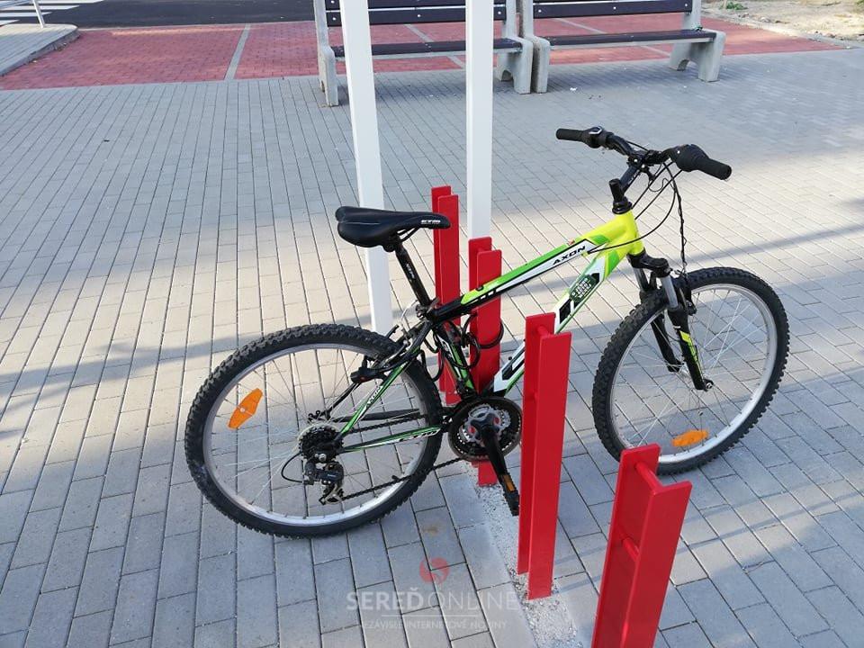 Zamykanie o rám bicykla