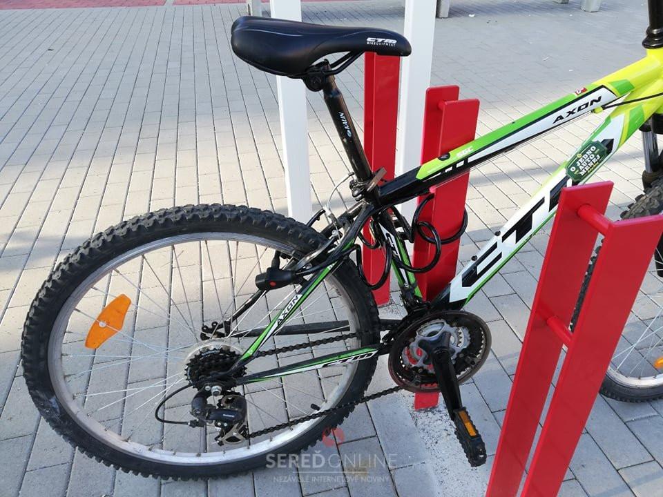 Bezpečné parkovanie pre cyklistov v Seredi